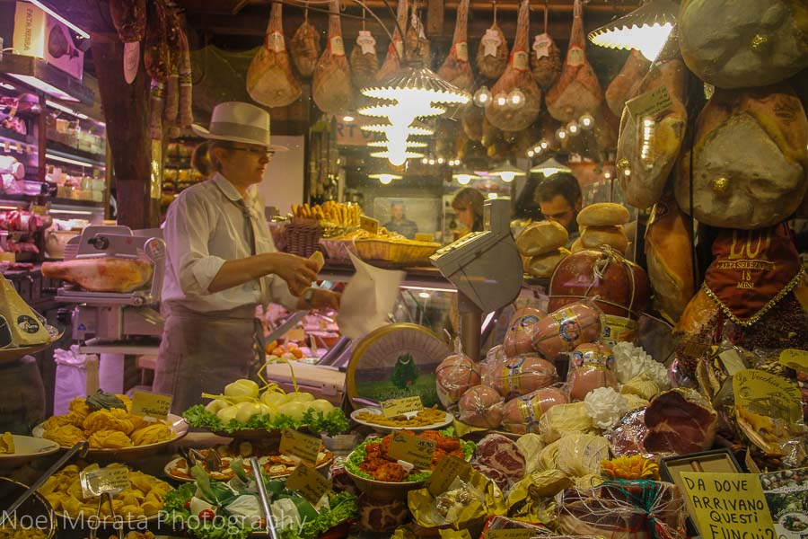 Bologna highlights: outdoor markets and street food of Bologna