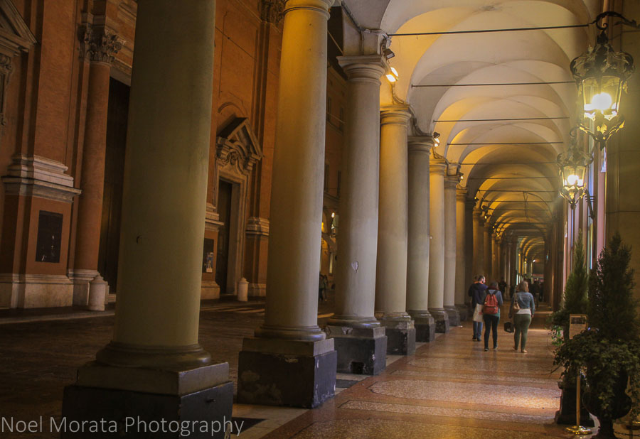 Bologna at night: highlights around the city, the landmarks and attractions