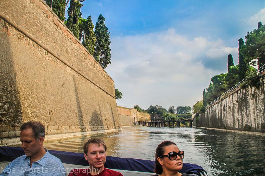 Cruising the canals of the walled city of Peschiera