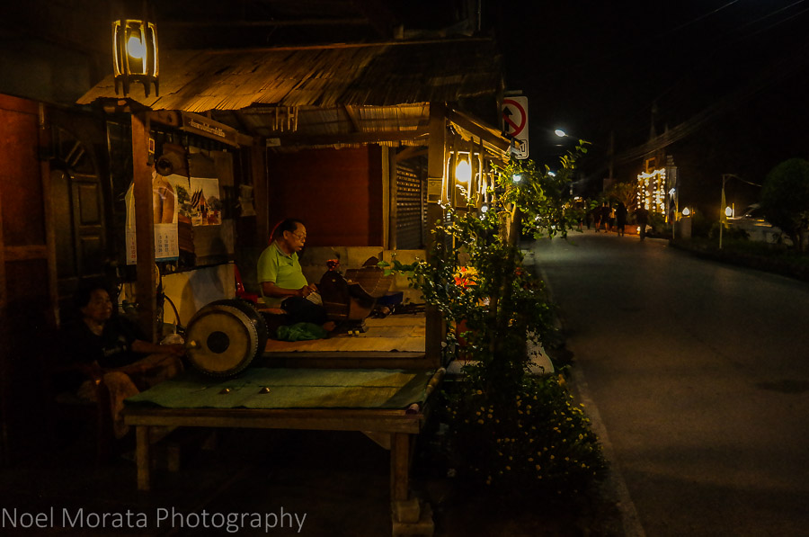 Street music at the evening market in Chiang Khan