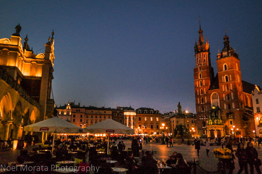 Rynek Glowny square and St. Mary's Basilica