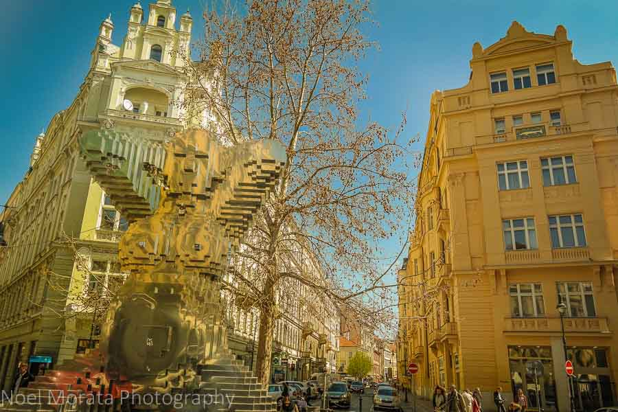 A walk around the Jewish district - an eclectic blend of old and new