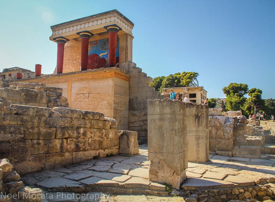 A visit to Knossos in Crete and the MInoan palace