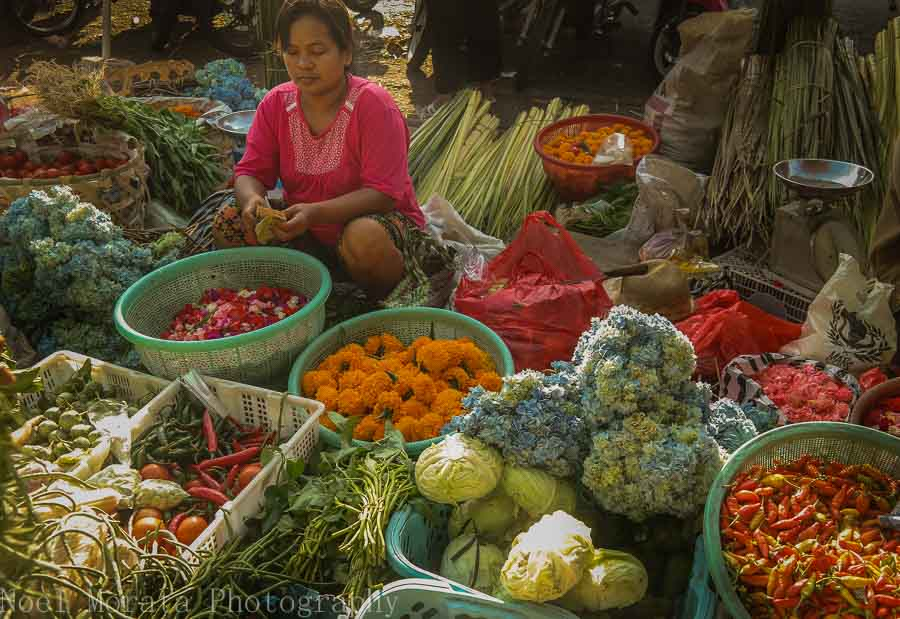 Fruit and flower vendor in Tabanan, Bali