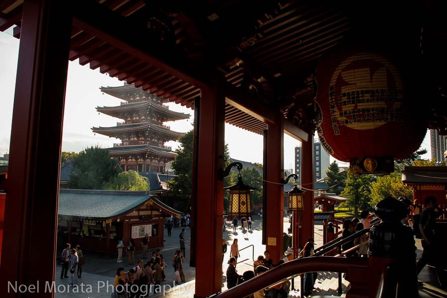 The entrances to Senso-Ji, Exploring Senso-Ji in Asakusa
