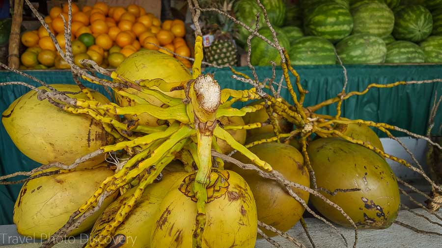 Los Pinaderos Fruteria in Little Havana
