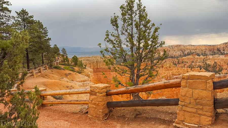 Trail head to vista point Visiting Bryce Canyon National Park