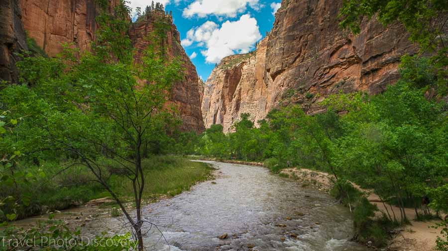 Riverside walk to the Narrows Zion National Park