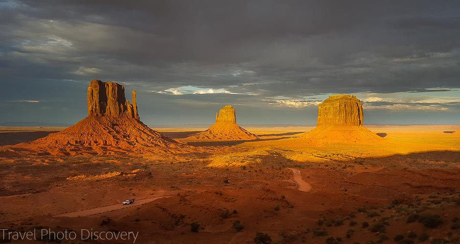 Sunset image Visiting and touring Monument Valley in Utah