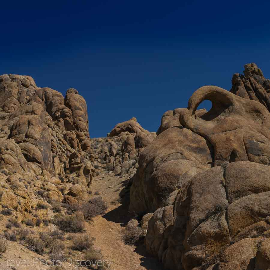 Round arch at the Alabama Hills at the base of Mt. Whitney