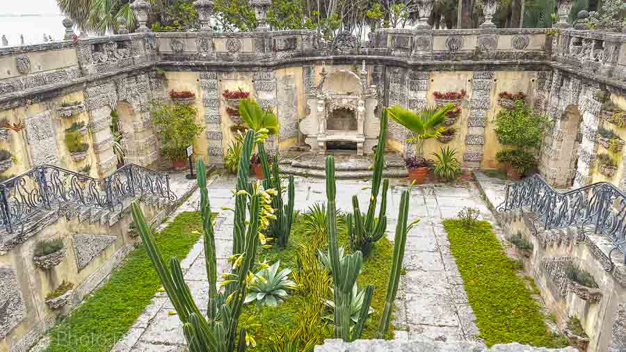 Vizcaya museum gardens and the sunken garden