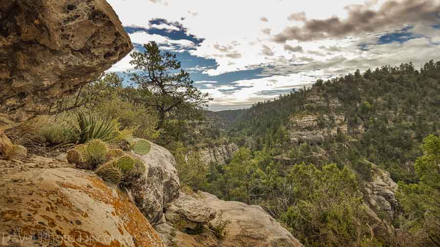 Walking down the stairs to the main cliff dwellings of Walnut Canyon