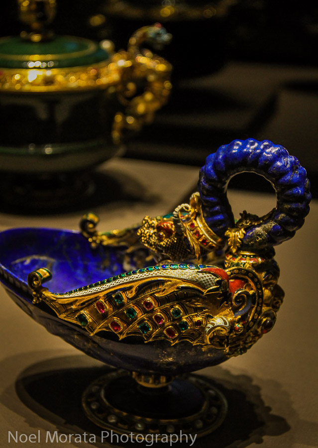 Gold and jeweled treasures Kunsthistorisches Museum