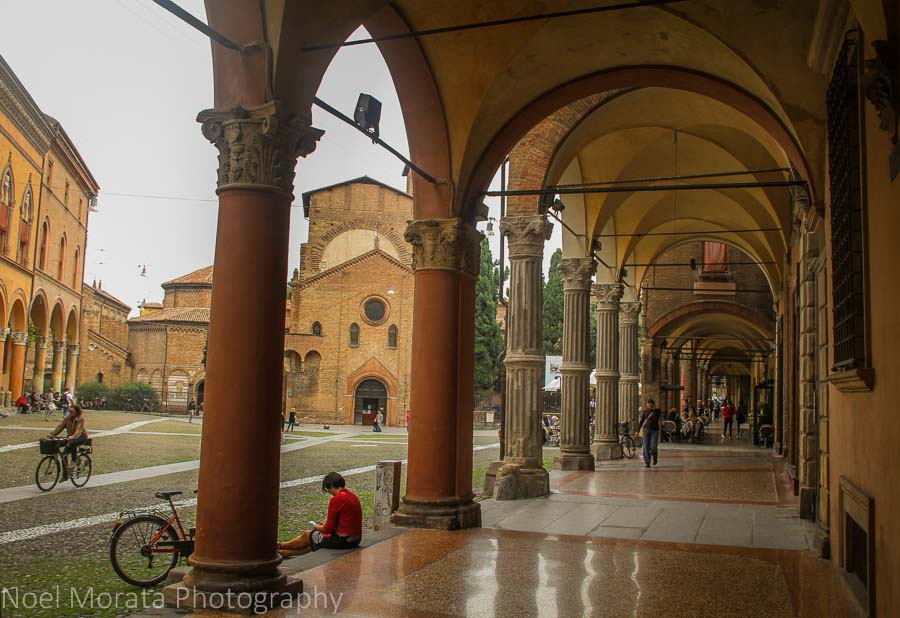 More portico views of Bologna's historic district