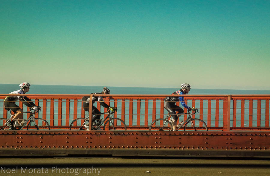 Cyclists at the Golden Gate Bridge