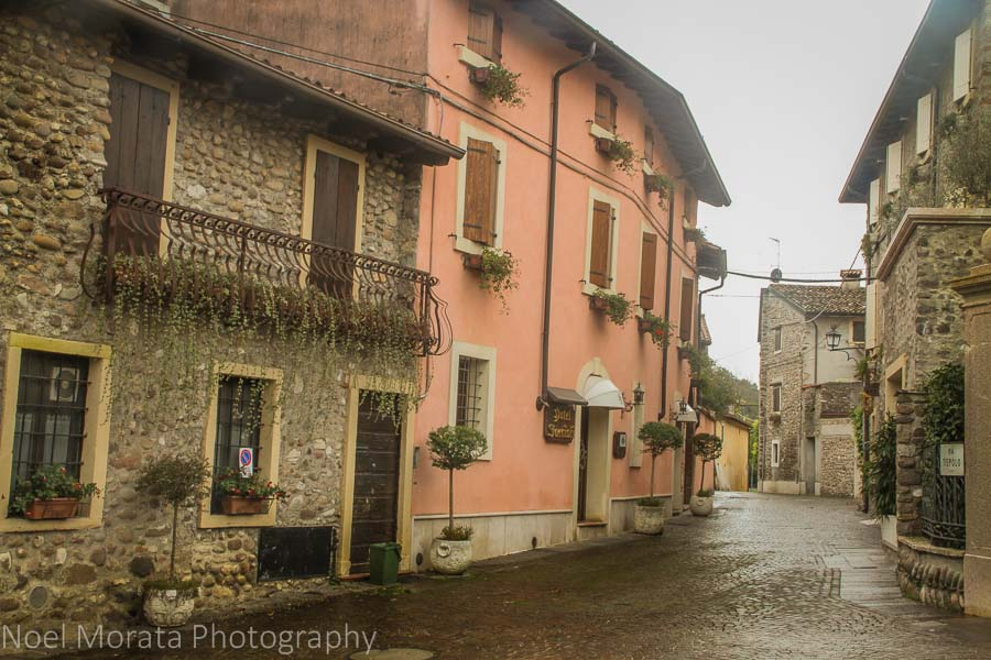 The hamlet and streets of Borghetto