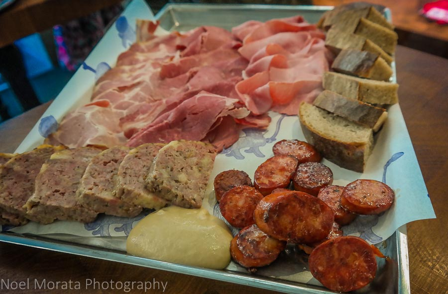 Eating and touring Prague in one day - Tasting sausages and cured meets in the Jewish district
