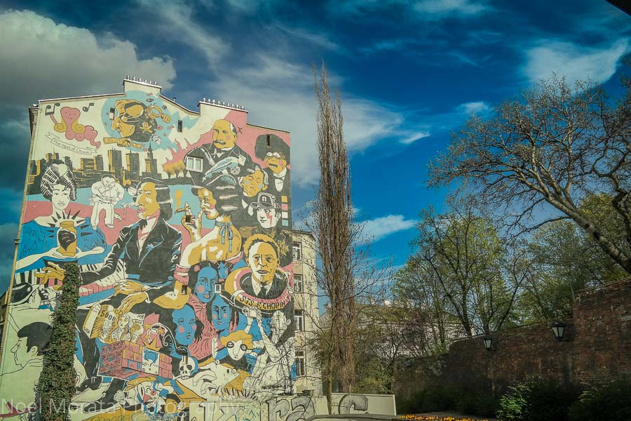 Top 20 places to visit in Warsaw and street art in Warsaw