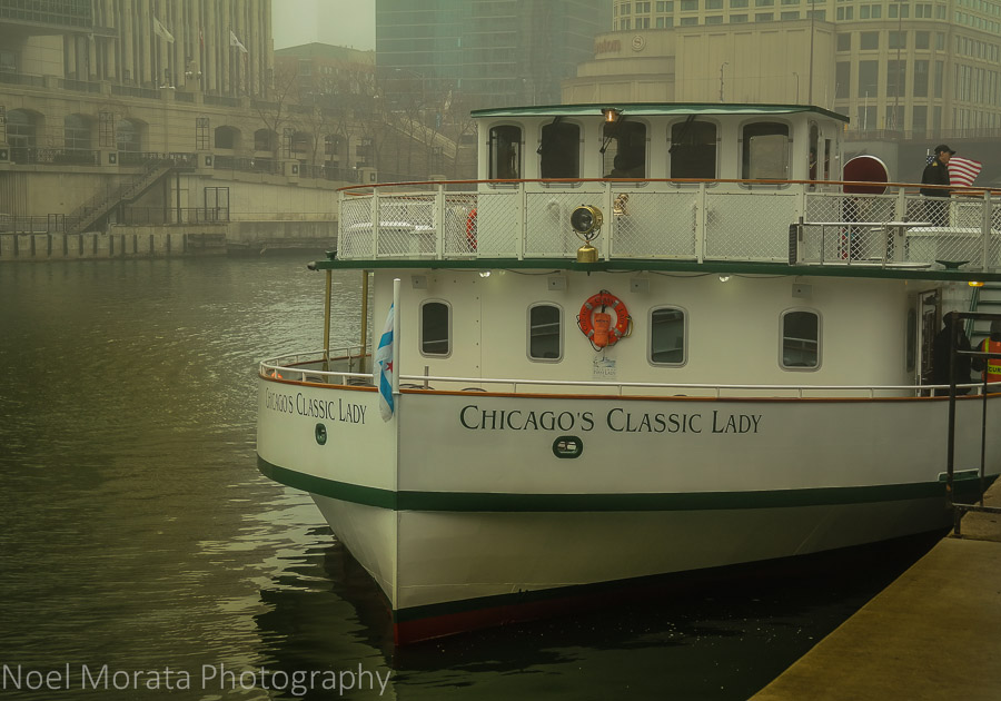Chicago river cruise on the Chicago First Lady cruise