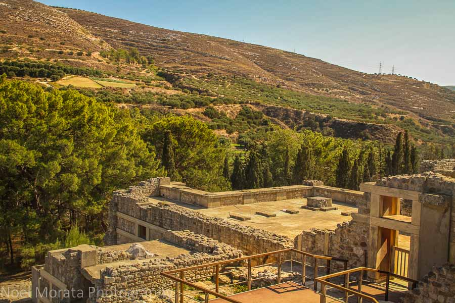 A visit to Knossos in Crete and lookout to the surrounding countryside