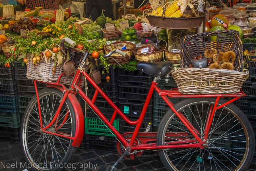 Morning market at Campo Fiori, Rome: 15 pictures to inspire you to visit