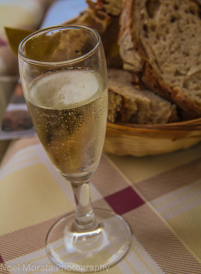 Proscecco in Trastevere; tasting specialty and local foods