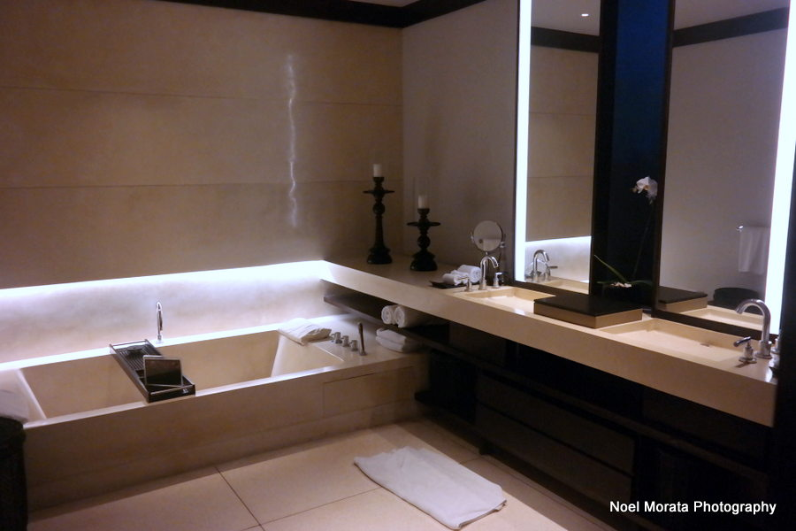 Superior bathroom and amenities - Alila Hotel and journey