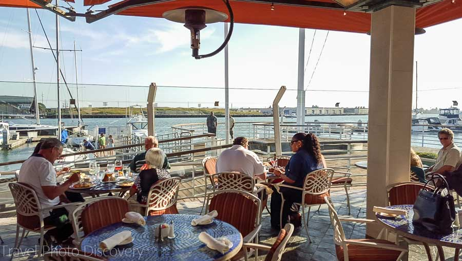 Scott's Seafood Grill and Bar at Jack London Square