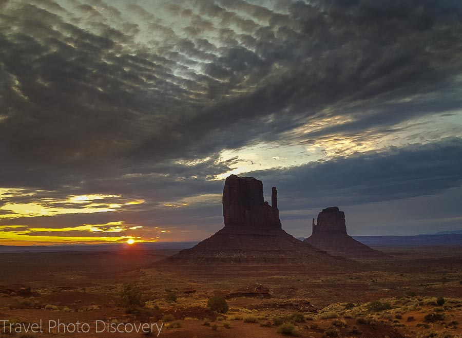 Sunrise scene Visiting and touring Monument Valley in Utah
