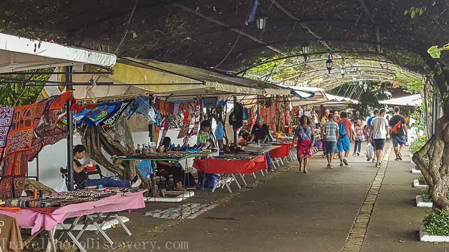 Craft vendors and promenade shopping at Casco Viejo in Panama City