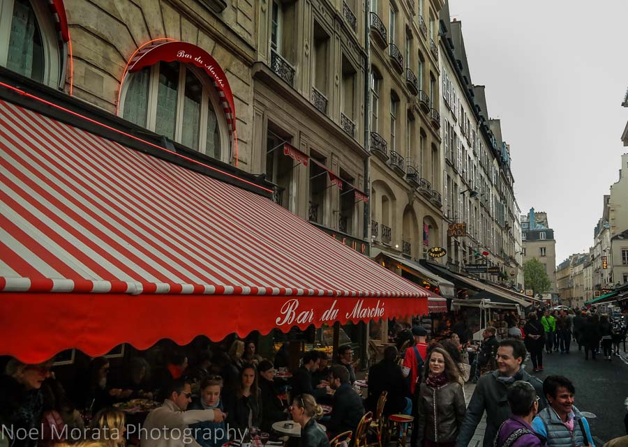 Free walking tours of Paris