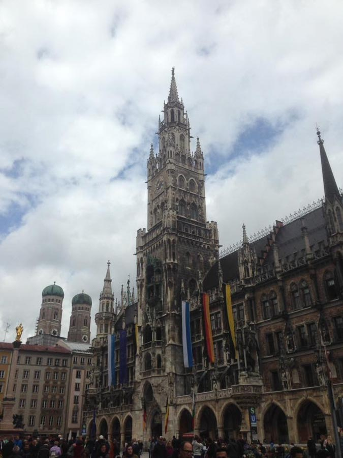 Munich at the Marianplatz - what to see and do