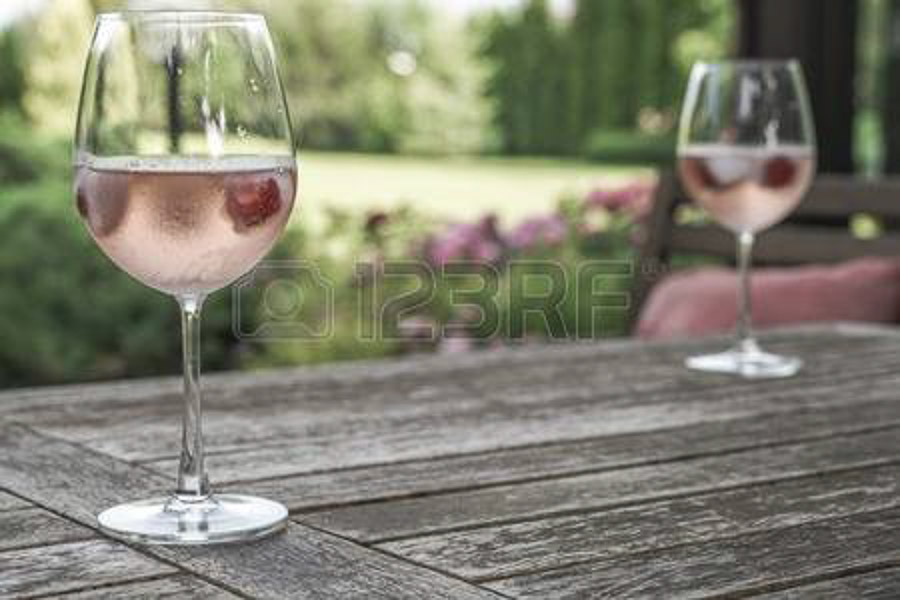 Frocs wine spritzer from Budapest