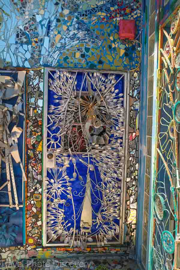 Venice Beach ,mosaic home - spoon door