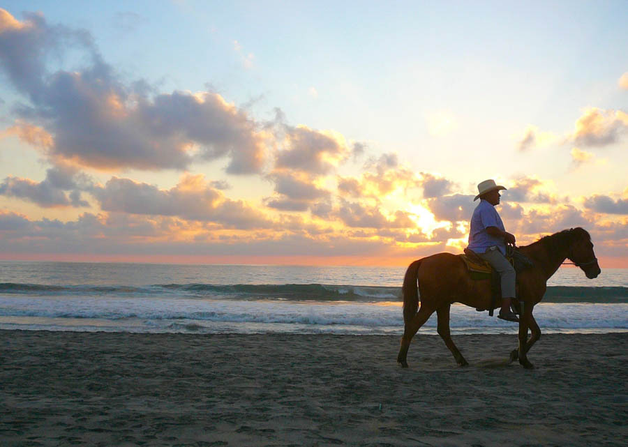 Horseback riding adventure Puerto Escondido