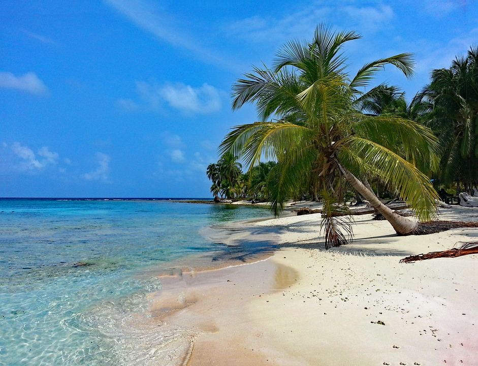 Exploring the San Blas islands
