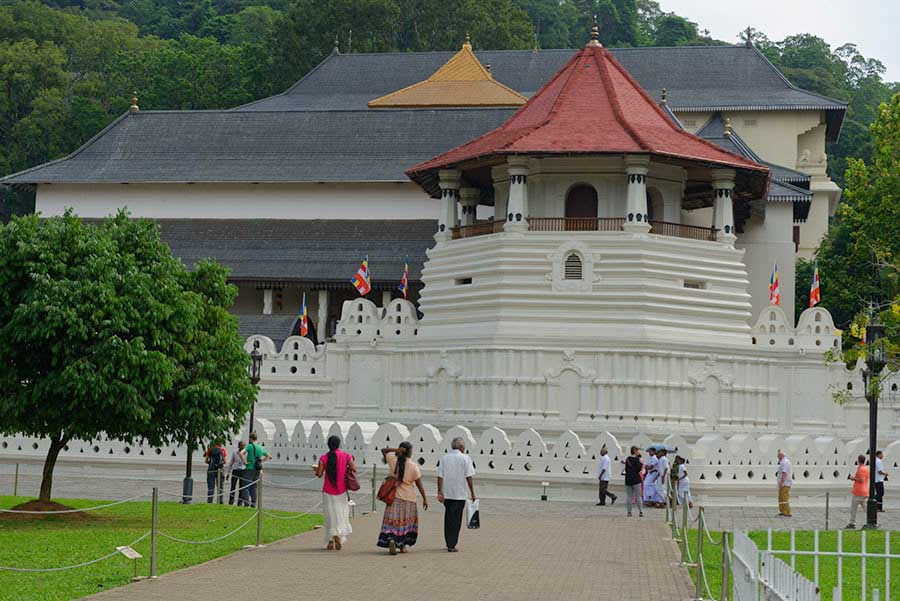 Unesco site-sri-lanka-sacred-tooth-kandy-guest-post