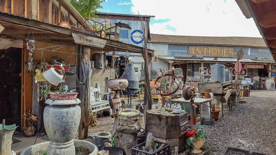 Cottonwood antique shopping