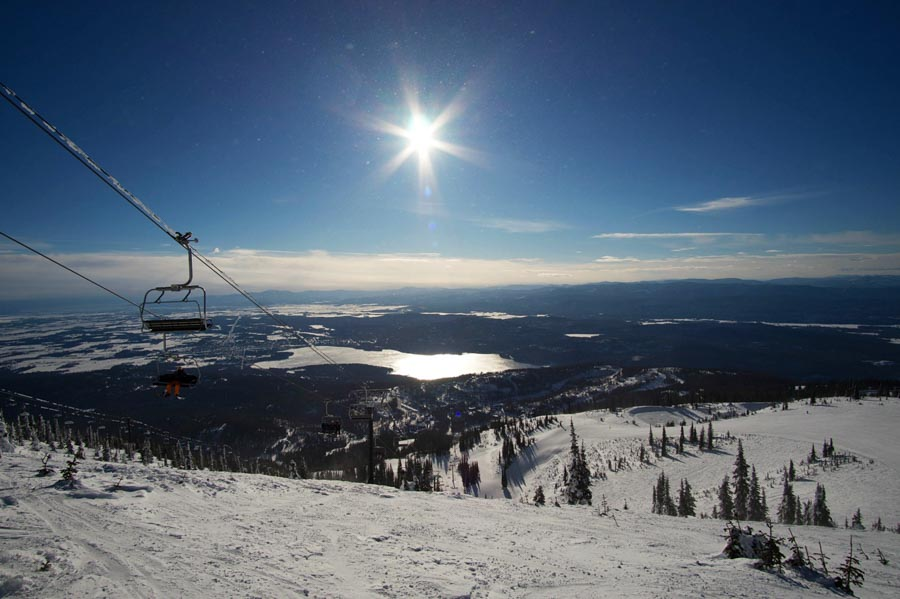 Skiing adventure in Whitefish