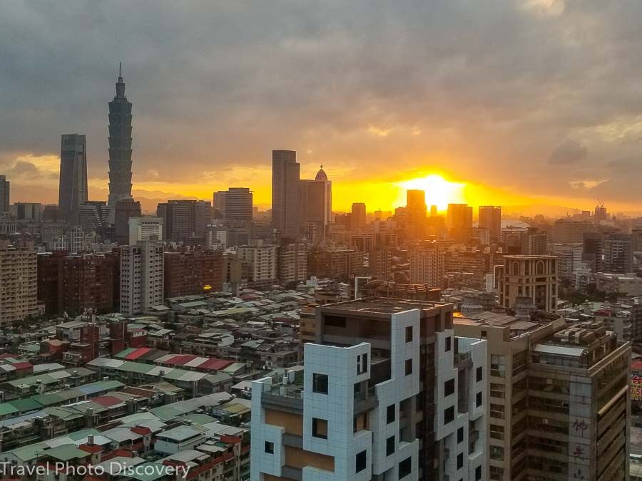 Amba Songshan views at sunset