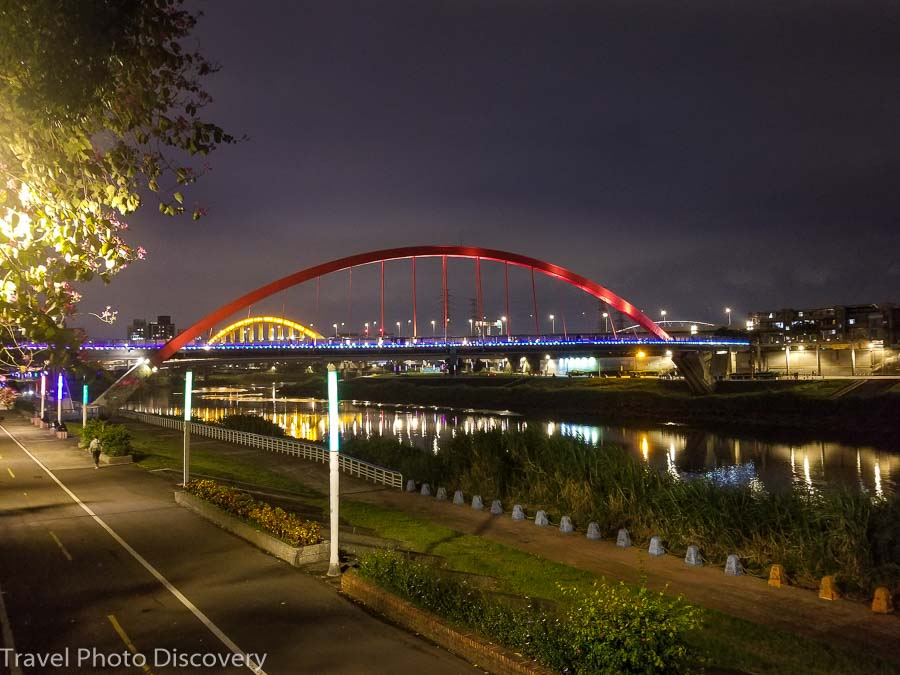 Taiwan night at Keelung River