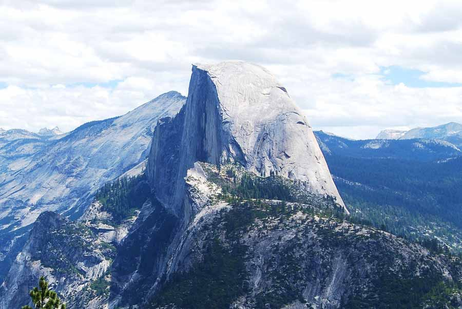 Yosemite hiking to the top of Half Dome