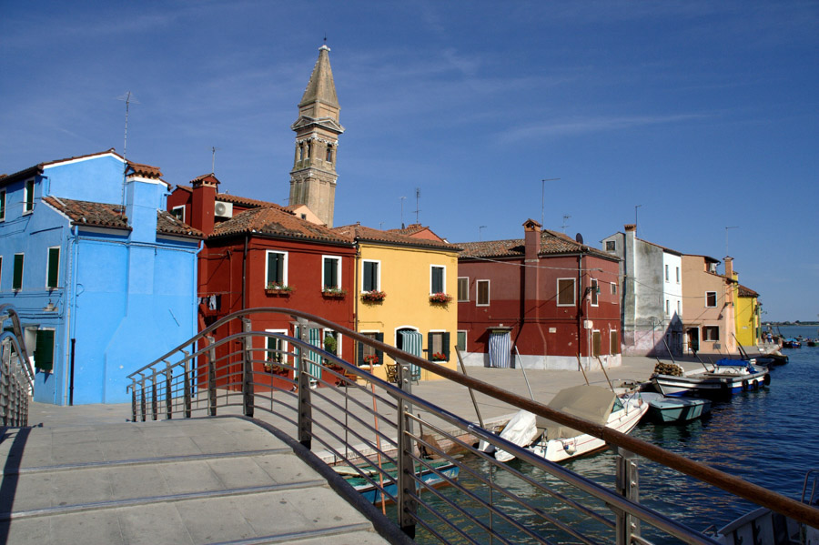 Visiting the Leaning tower Burano