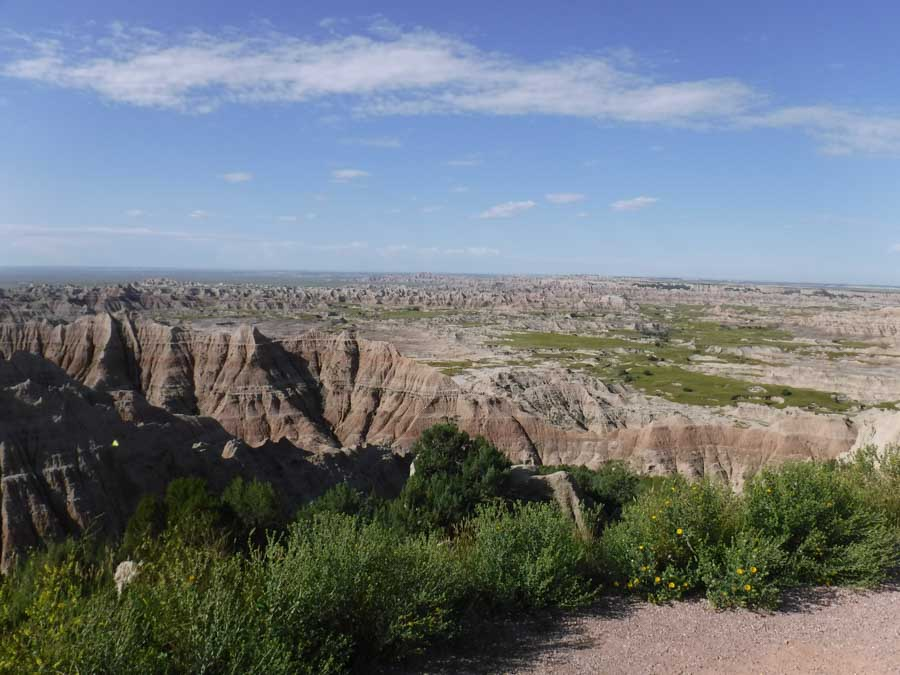 Visiting Badlands National Park scenic drives and views from above