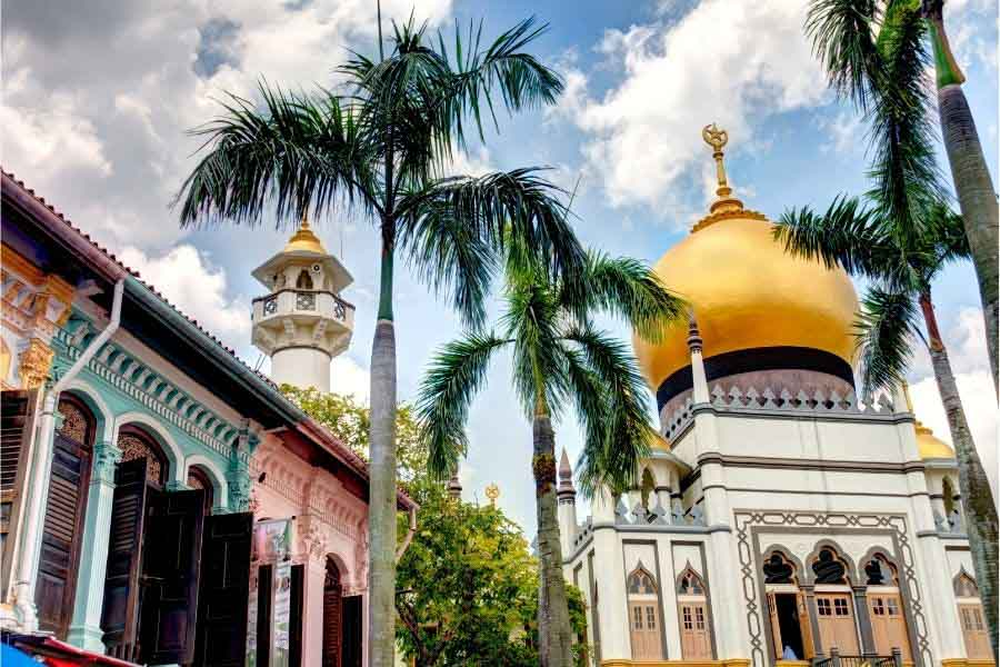 Visit the Sultan Mosque in Kampong Glam