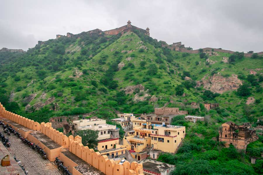 Visit the Gorgeous Nahargarh Fort