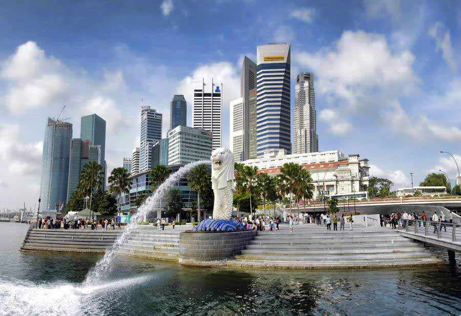 Free things to do in Singapore - fantastic free and family friendly attractions, ethnic neighborhoods, cool venues, shows and night events